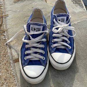 Converse all star tennis shoes size 7